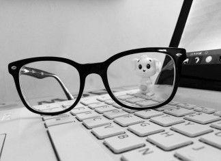 eliminare i graffi dagli occhiali rimedi