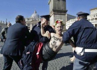 Femen blasfeme a San Pietro