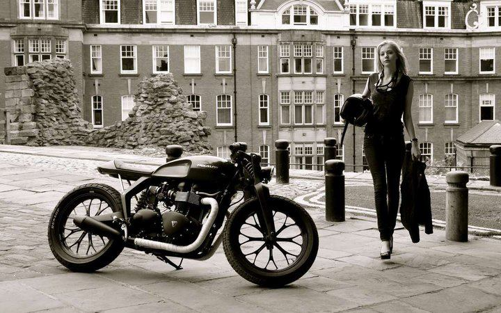 Moto o donna? O donna e moto?