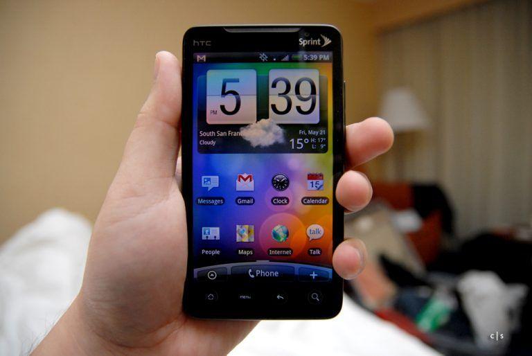 Cellulari e smartphone: i numeri degli italiani