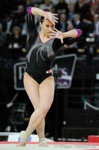 Ginnastica artistica Europei 2015: Erika Fasana ha sfiorato il podio nel corpo libero, classificandosi quarta con un totale di 14.300 punti.