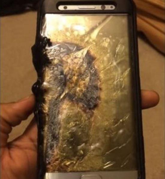 Samsung Galaxy Note 7 prende fuoco ed esplode - video