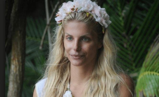 Isola dei Famosi, Francesca Cipriani piange: a 12 anni vittima di bullismo