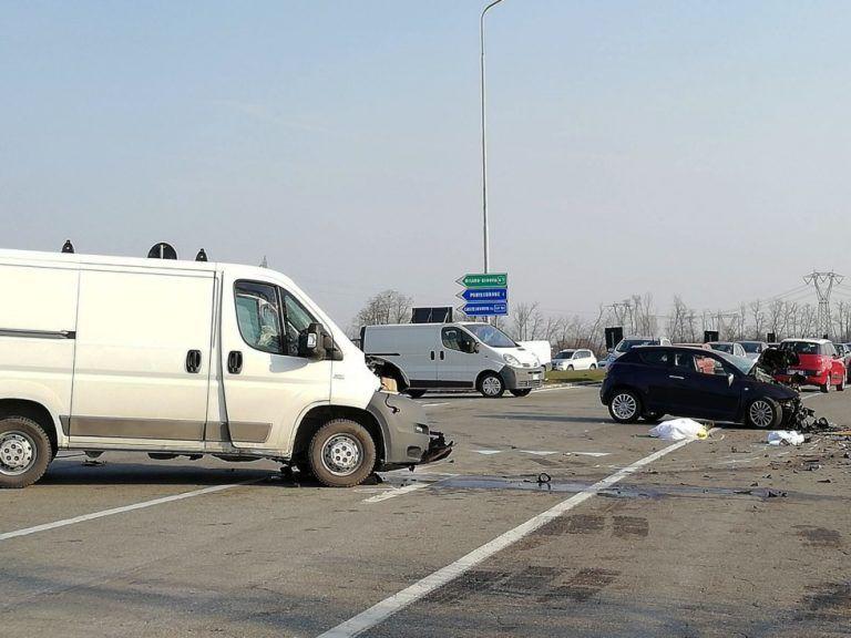 Incidente mortale tra Voghera e Tortona: auto si schianta contro furgone