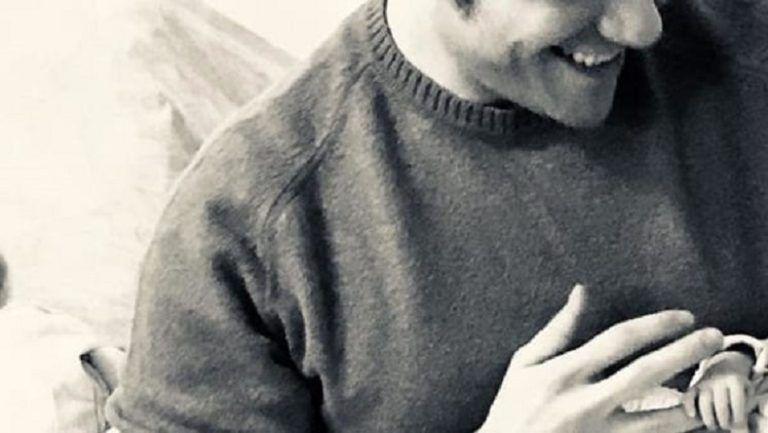 Tiziano Ferro non è diventato papà: ecco la verità sulla foto con con bambino su Instagram