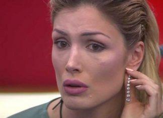 """Mariana del Grande Fratello in lacrime per Luigi Favoloso: """"Sei una brutta persona...!"""""""