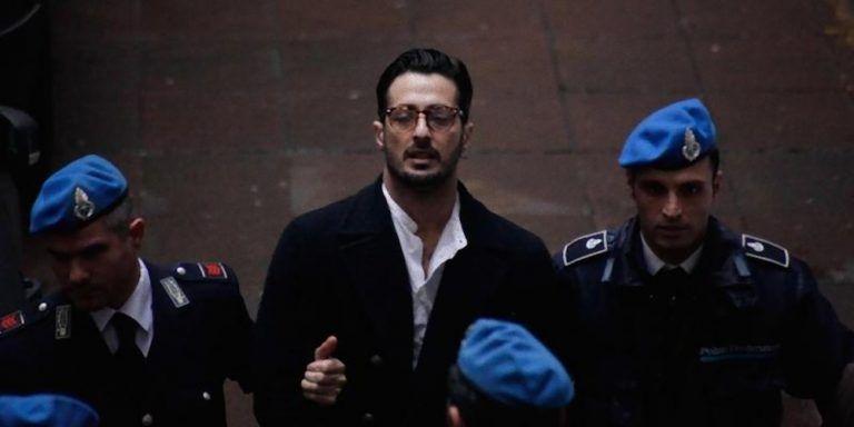 Fabrizio Corona rischia di finire di nuovo in carcere: ecco il motivo