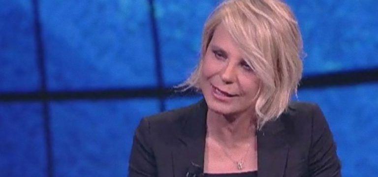 Maria De Filippi riceve delle offese choc: 'Fa solo delle porcate e robaccia'