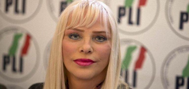 Cicciolina disperata: 'Se mi tagliano il vitalizio me ne torno in Ungheria e…'