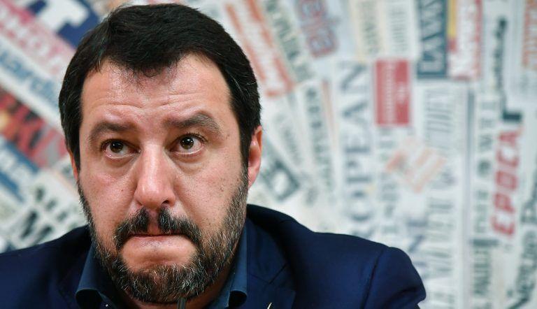 'Tanti nemici, molto onore' Salvini cita Mussolini: ecco gli insulti peggiori