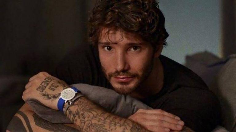 Stefano De Martino choc: 'Per sentirmi al top? Faccio sesso in piedi con…'