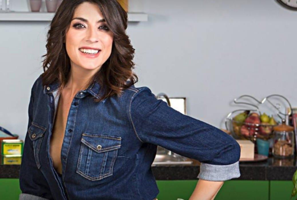 Elisa Isoardi, spacco pericoloso a Venezia