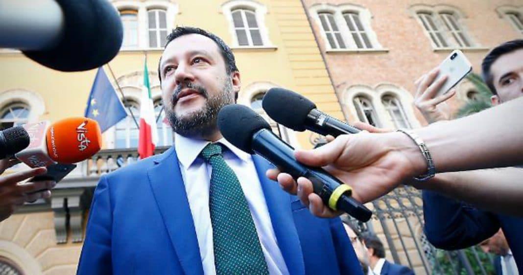 Diciotti: Salvini indagato per sequestro di persona, arresto illegale e abuso d'ufficio