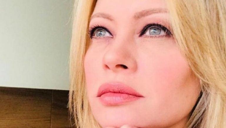 Anna Falchi senza vergogna: 'Un calendario fetish tutta nuda col frustino…'