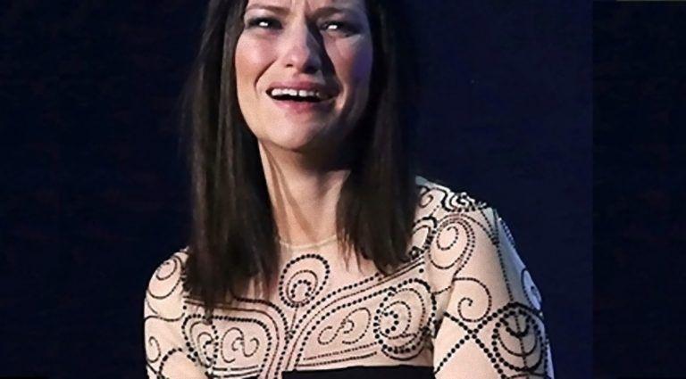 Gravissimo lutto per Laura Pausini, la rara malattia e poi l'infarto: 'Ciao angioletto mio…' (Foto)