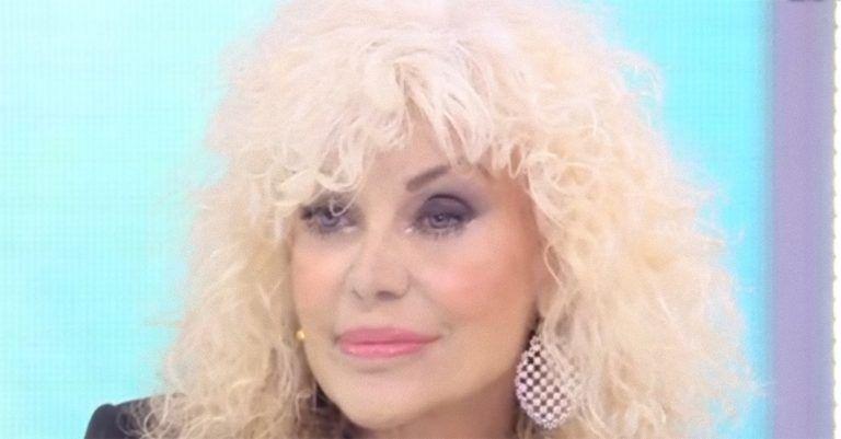 Il dramma di Donatella Rettore: 'Sono malata e ho perso 500 mila euro in…'
