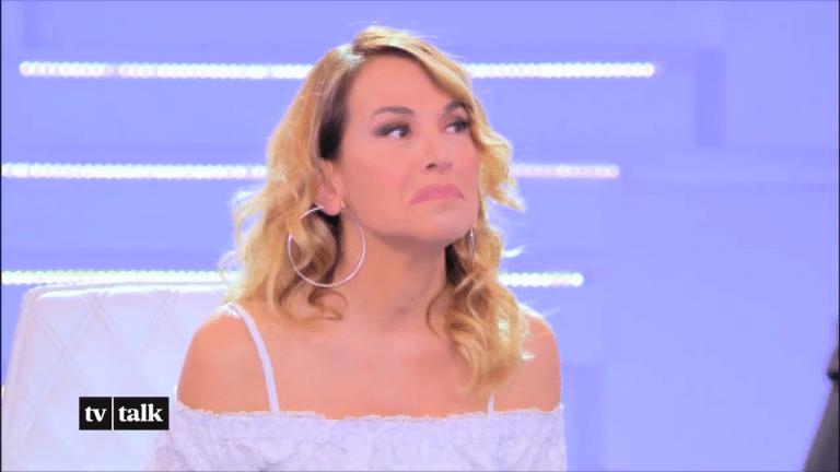 'Sono tre deficienti…': Barbara D'Urso insulta in un fuorionda la Gialappa's band – Video