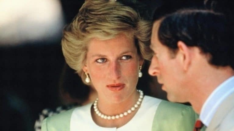 """Lady Diana: all'asta l'abito """"maledetto"""""""