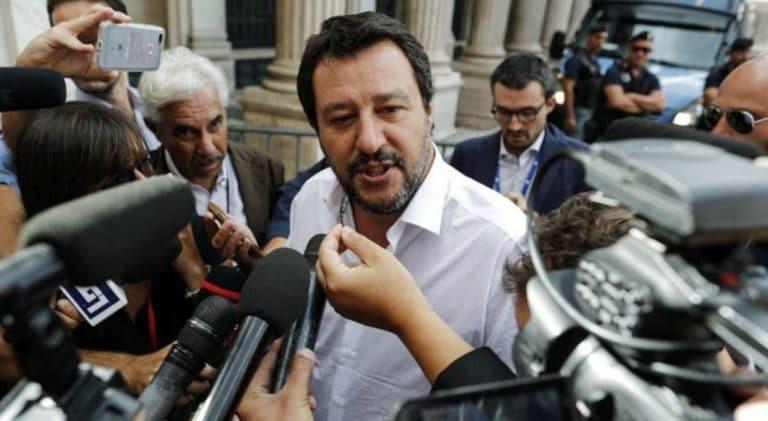 """Salvini: """"Troppi stranieri anche nel calcio…"""" La decisione del Ministro"""