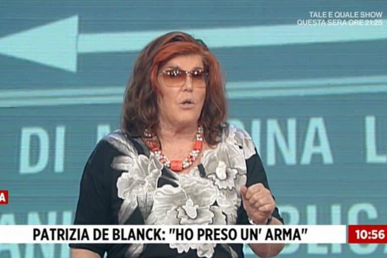 """""""Gli sparo prima nelle gambe…"""": Patrizia De Blanck la minaccia choc in diretta a Storie italiane"""