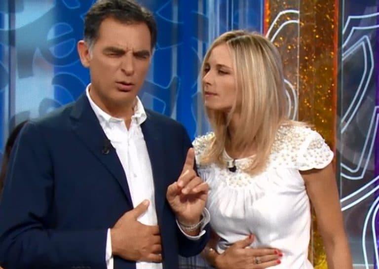 Tiberio Timperi ci ricasca con Francesca Fialdini, la battuta al veleno: 'Tu la laurea l'hai…