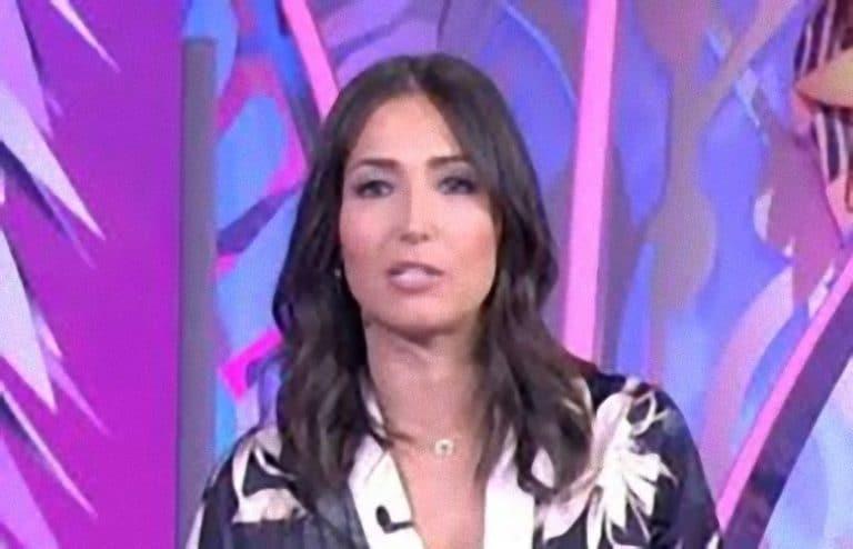 'Vergognati..' Caterina Balivo le parole su Fabrizio Frizzi indignano il web