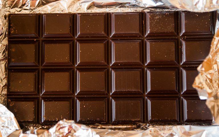 """Dieta, cioccolato fondente aiuta ad abbassare il colesterolo """"cattivo"""""""