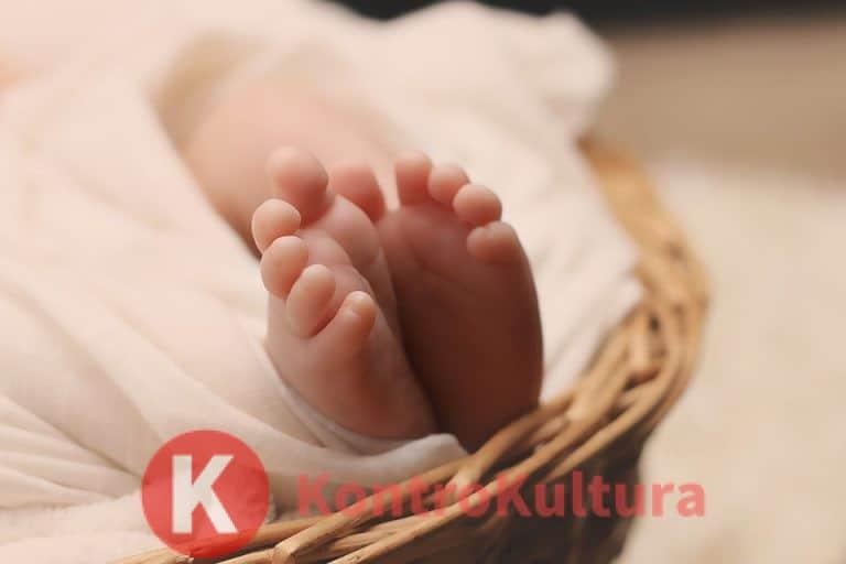 Mamma scopre di avere un tumore al seno grazie alla neonata che rifiuta il latte
