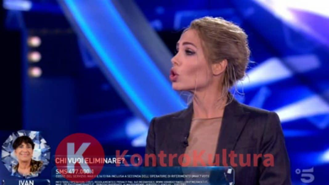 Aida Nizar attacca Fabrizio Corona: