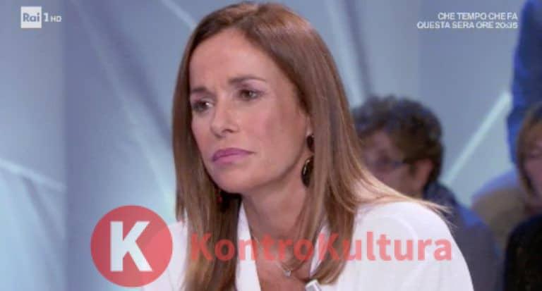 Cristina Parodi dice addio alla Rai e si mostra in bikini in pubblico mentre fa…(Foto)