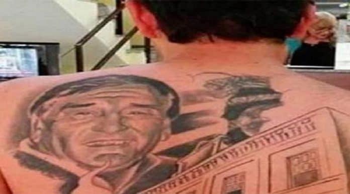 Si fa tatuare il volto del medico che l'ha operato