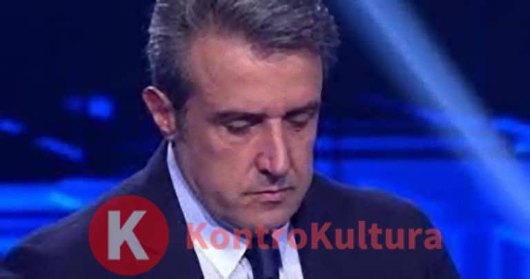 'Sono complici…' Flavio Insinna sotto accusa: il gesto verso il campione scatena il Web – Video