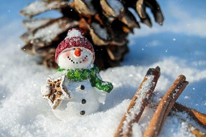 Oroscopo lunedì 3 dicembre: Sagittario fortunato, giornata no per Leone