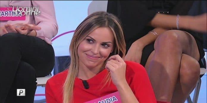 Uomini e Donne, Claudia lascia Lorenzo Riccardi e corteggia Andrea?