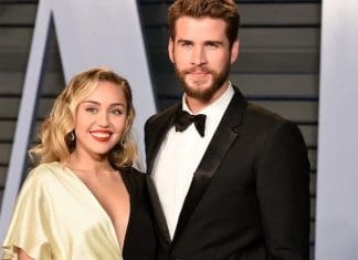 Miley Cyrus e Liam Hemsworth sorridenti