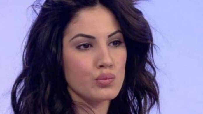 Giulia De Lellis al Festival di Sanremo 2019: fan in delirio