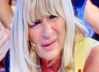 Bufera a Uomini e Donne, Rocco lascia Gemma Galgani: lei piange