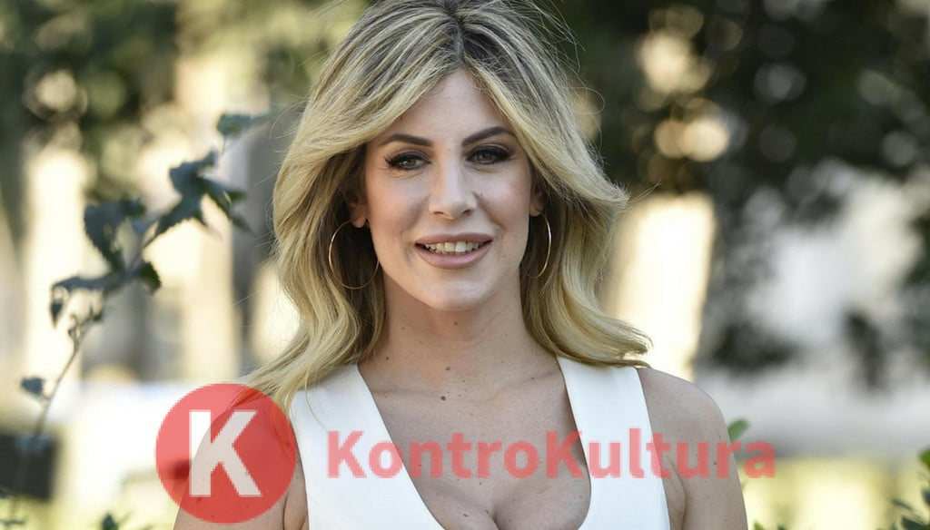 Gossip, Paola Caruso è diventata mamma. Il messaggio a Barbara D'Urso