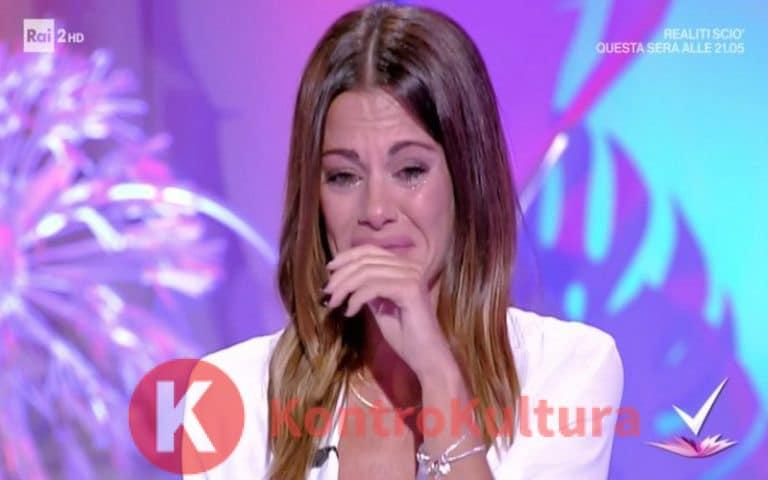 Sospeso Detto Fatto su Rai Uno: la conduttrice Bianca Guaccero scoppia a piangere in diretta (Video)