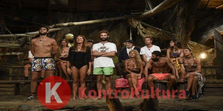 Nuda in diretta a L'Isola dei Famosi 14: la naufraga esce fuori di seno davanti a tutti (Foto)