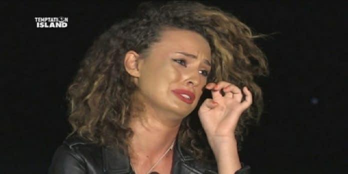 Sara Affi Fella e il messaggio disperato nella notte, fan preoccupati
