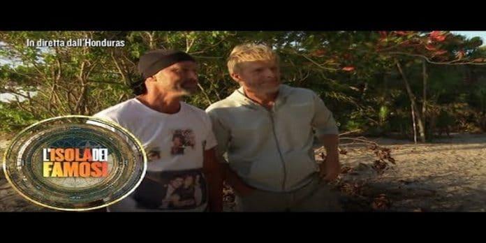 Isola dei famosi: Kaspar e Stefano ritornano e i naufraghi si preoccupano