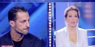 Fabrizio Corona da Barbara d'Urso, lascia lo studio: 'Sei bigotta e retorica'