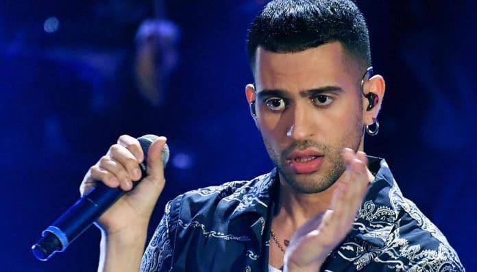 Mahmood è gay? Le foto del vincitore di Sanremo 2019 non lasciano dubbi