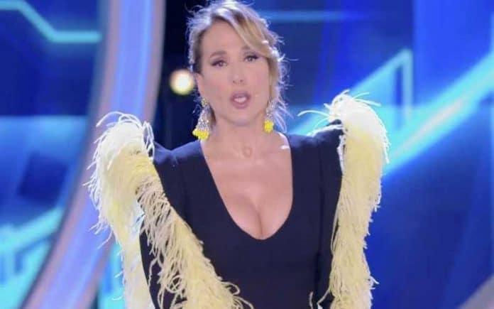 Replica Grande Fratello, puntata 15 aprile in streaming: ascolti in calo per Barbara d'Urso