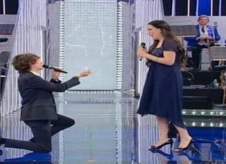La Corrida replica settima puntata: proposta di matrimonio in diretta tv
