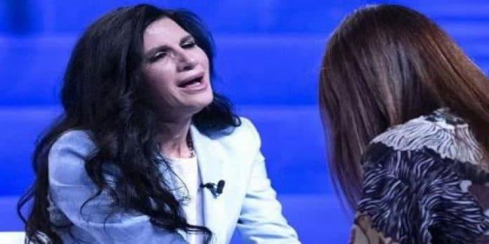 Pamela Prati in lacrime a Verissimo, 'Mark non esiste': ed ecco chi è l'uomo della foto
