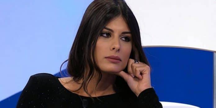 Uomini e Donne la scelta di Giulia Cavaglia: Lorenzo fa una rivelazione