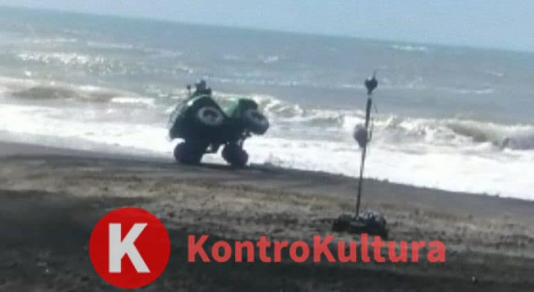 Brutto incidente per J-Ax che si ribalta con il quad ad Ostia: ecco cosa è successo (Video)
