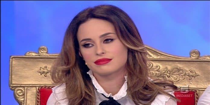 Sara Affi Fella recupera follower: il suo profilo desta sospetti